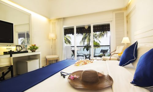 Copy of Accommodation - Deluxe Beachfront-1
